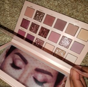 Other - Huda Beauty Nude Pallet